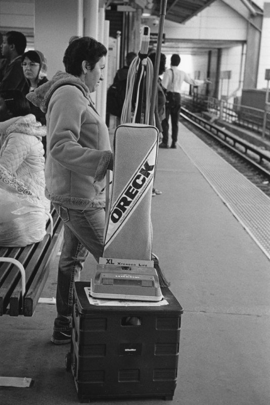 Commuter with vacuum